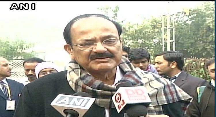 पश्चिम बंगाल में सेना तैनात पर वैंकया नायडू ने तोड़ी चुप्पी, कहा...