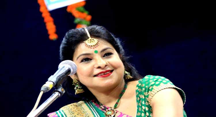 दिल्ली: सांस्कृतिक कार्यक्रम में मालिनी अवस्थी की ''ठुमरी'' पर दर्शकों ने उठाया आनंद