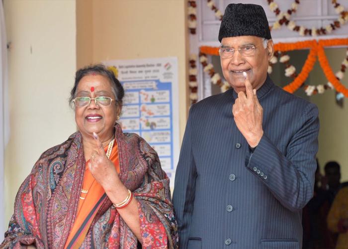 DelhiElections2020: अरविंद केजरीवाल से लेकर अलका लांबा तक इन दिग्गज नेताओं ने किया मतदान