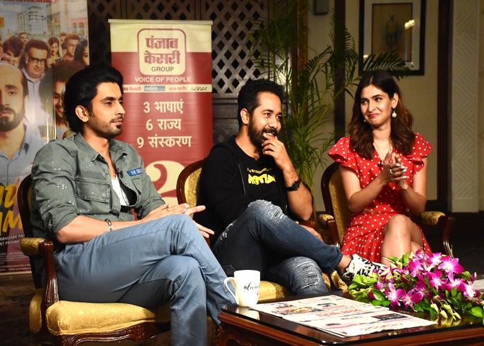 ''उजड़ा चमन'' के पोस्ट रिलीज प्रमोशन के लिए दिल्ली पहुंची स्टारकास्ट, दिखी फिल्म की सफलता की खुशी