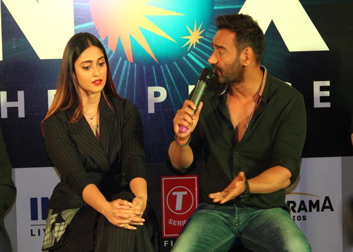 दिल्ली पहुंच इस अंदाज में अजय और इलियाना ने किया प्रमोशन, देखें Pics