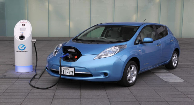 आपको भी गाड़ी में लगवानी है इलेक्ट्रिक किट, यहां जानिए इससे जुड़े Tips