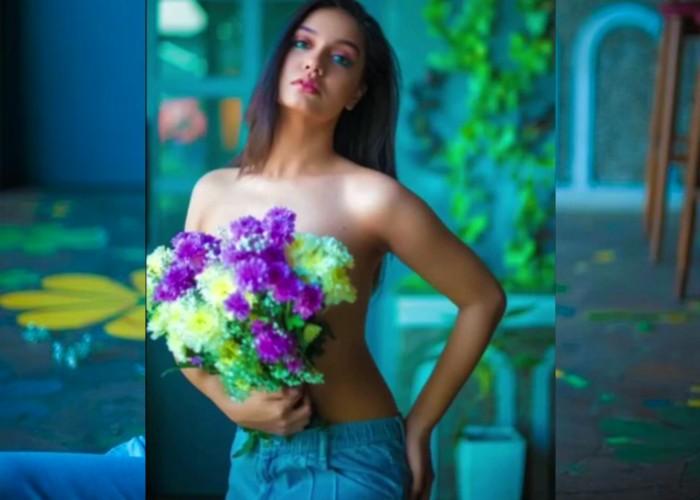 Ragini MMS Returns फेम एक्ट्रेस Divya Agarwal का टॉपलेस फोटोशूट हुआ वायरल, देखें तस्वीरें