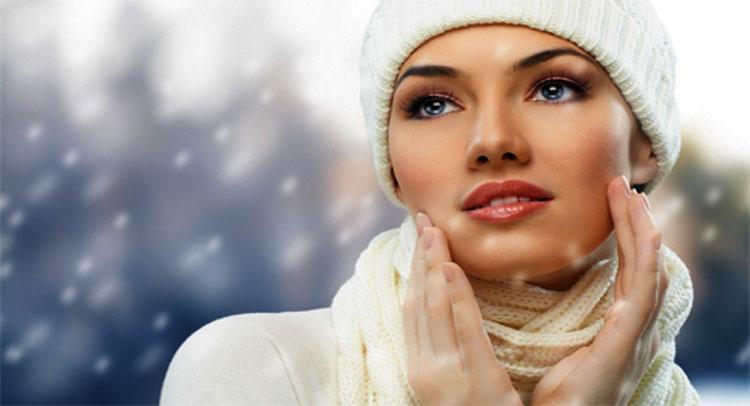 सर्दियों में रुखी त्वचा से निजात पानें के लिए अपनाएं ये Tips