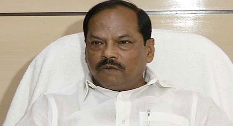 भूख से बच्ची की मौत पर CM रघुबर दास ने तोड़ी चुप्पी, ''राशन ना होता तो घर के और भी बच्चे मरते''