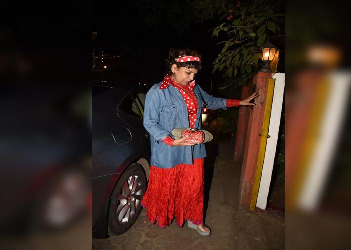 जावेद अख्तर की birthday में दिखा सभी का रेट्रो लुक, देखें तस्वीरें