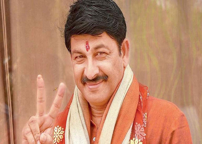 Manoj tiwari in happy mood