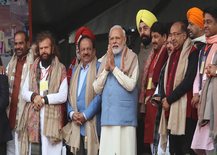 Narendra modi with party leaders