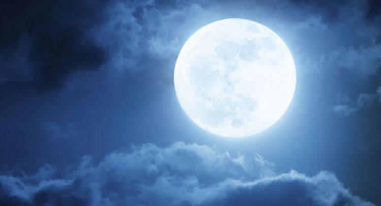 81 हजार साल में रूप बदलता है चंद्रमा