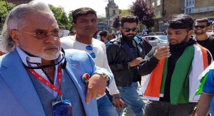India Vs SA : मैच देखने पहुंचे विजय माल्या, स्टेडियम के बाहर लगे ''चोर-चोर'' के नारे