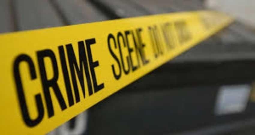 मॉल में बम रखे होने की कॉल के बाद लोगों को बाहर निकाला गया