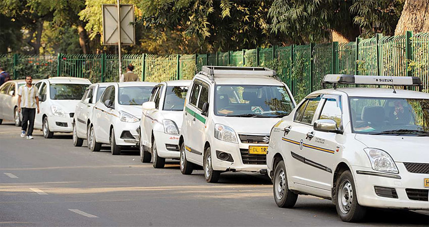 गोवा में अगले माह से चलेंगी एप आधारित टैक्सियां