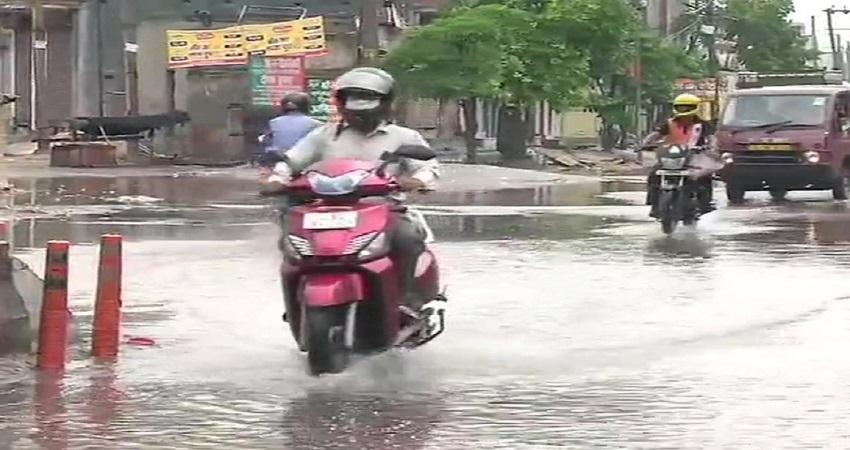 दिल्ली-एनसीआर के कई इलाकों में बारिश, जानें पूरे सप्ताह कैसा रहेगा मौसम का हाल
