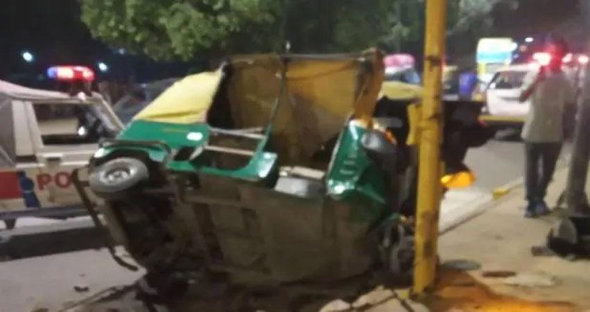 दिल्ली: इंडिया गेट के पास भीषण सड़क हादसा, 2 लोगों की मौत, 2 घायल