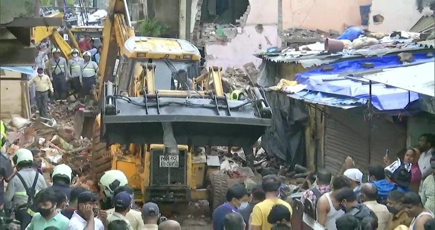 मुंबई में 4 मंजिला इमारत ढही, हादसे में 11 की मौत, 9 घायल