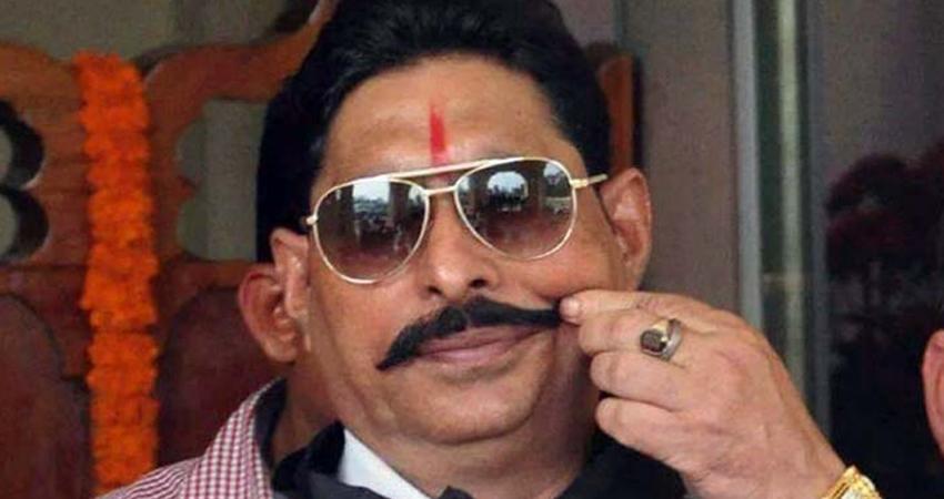 दिल्ली के साकेत कोर्ट में फरार विधायक अनंत सिंह ने किया सरेंडर