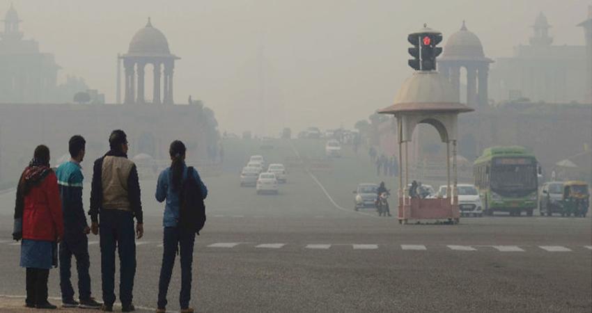 दिल्ली में बढ़े प्रदूषण से अधिकांश इलाकों में दिखा असर, जानें आज का AQI