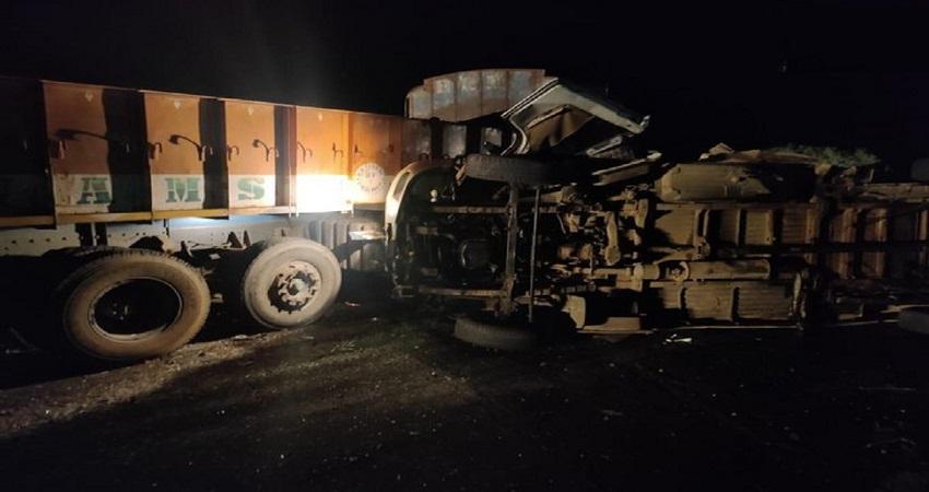 आंध्र प्रदेश: बस और ट्रक की टक्कर से भीषण हादसा, दुर्घटना में 13 लोगों की मौत, 4 घायल