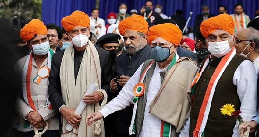 गांधी परिवार के खिलाफ कांग्रेस के दिग्गज, भगवा साफा में नजर आए G-23 के असंतुष्ट नेता