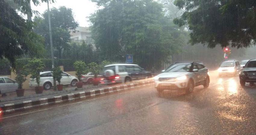 पंजाब, हरियाणा, दिल्ली-NCR में बदला मौसम का मिजाज,अगले दो-तीन घंटों में हो सकती है बारिश