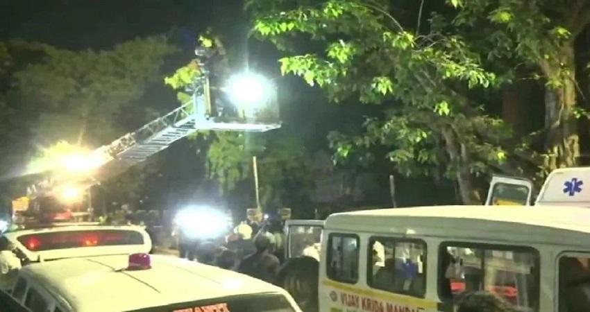 मुंबई में अस्पताल में लगी आग, कोविड के 10 मरीजों की मौत, 70 को बचाया गया