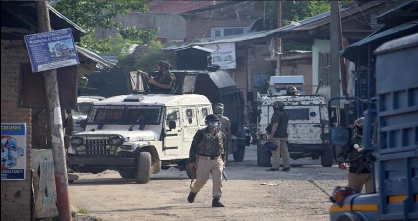 जम्मू कश्मीर के कुलगाम में सुरक्षाबलों ने मुठभेड़ में ढेर किया 1 आतंकवादी