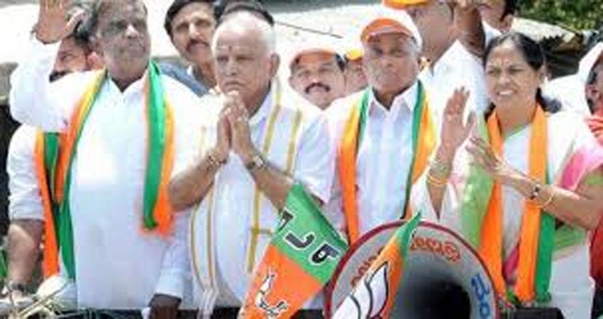 कर्नाटक के अयोग्य घोषित विधायक BJP में शामिल, रोशन बेग पर अभी फैसला नहीं