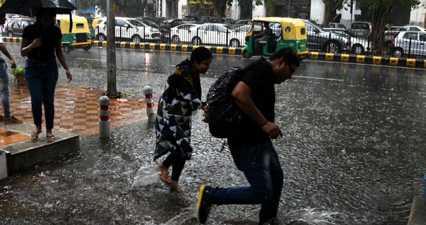 दिल्ली में आज भारी बारिश के आसार, मौसम विभाग ने जारी किया अलर्ट