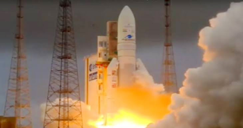 ISRO को मिली एक और सफलता, संचार उपग्रह जीसैट-30 हुआ लॉन्च