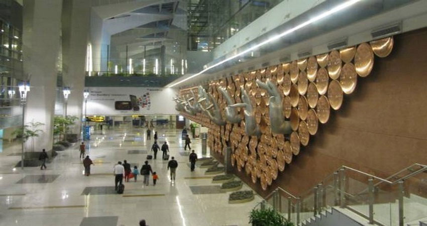 IGI एयरपोर्ट पर विदेशी करेंसी के साथ दो गिरफ्तार, पकड़े गए यात्री में एक भारतीय