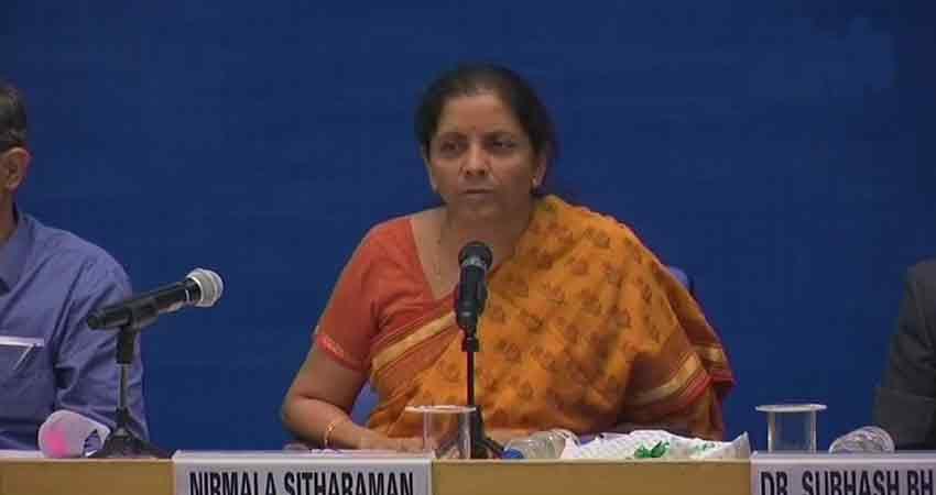 सीतारमण ने Pak पर उठाए सवाल, पत्रकारों को बालाकोट ले जाने में क्यों लगे 40 दिन