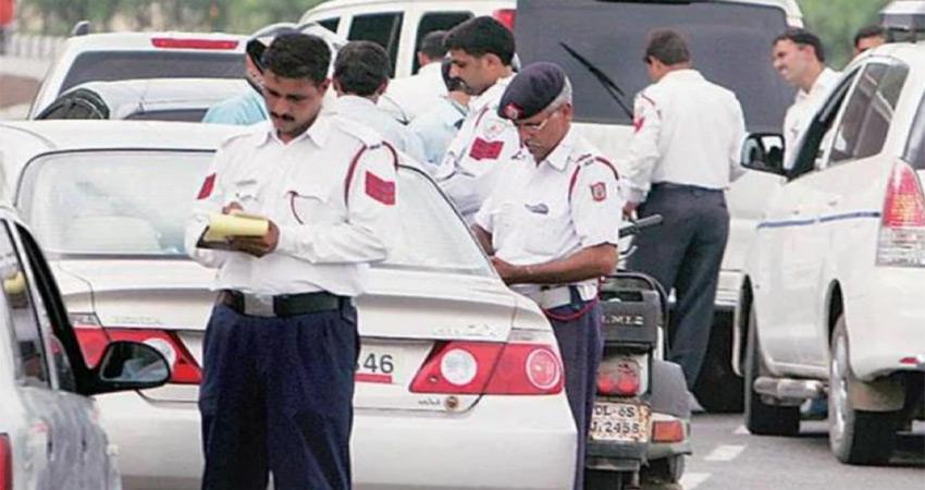 नवोदय टाइम्स की पहल का दिखा असर, दिल्ली ट्रैफिक पुलिस ने मानी गलती, किया सुधार