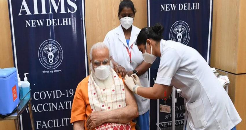 कोरोना के कहर के बीच PM मोदी ने ली वैक्सीन की दूसरी डोज, लोगों से की ये अपील