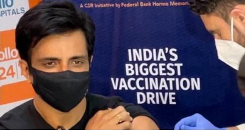 सोनू सूद ने लगवाई कोरोना वैक्सीन, शुरु किया संजीवनी नाम से टीकाकरण अभियान