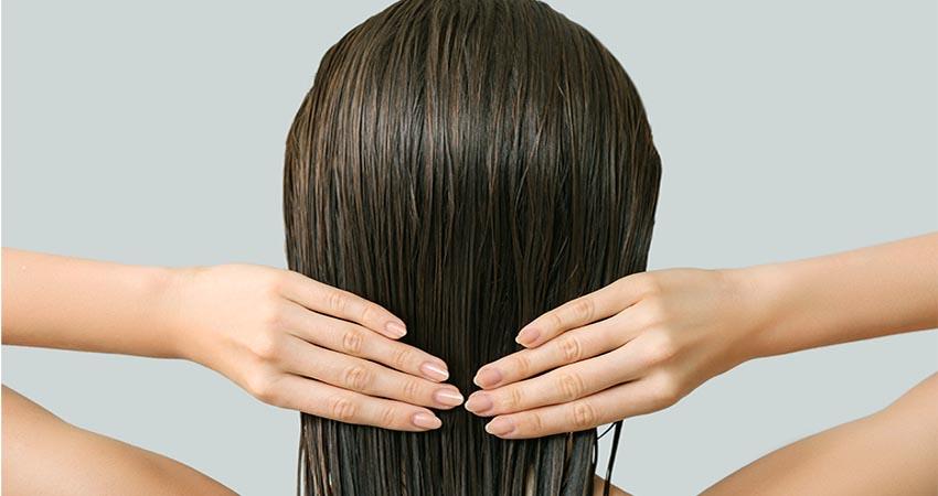 ठंड में नहाने से कतरा रहे हैं, तो बिना पानी के ऐसे धोएं बाल