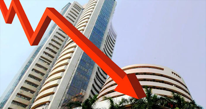 मध्य-पूर्व में बढ़े तनाव से शेयर बाजार में भारी गिरावट, सेंसेक्स 450 अंक लुढ़का