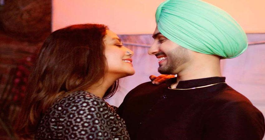 नेहा कक्कड़ के गाने Shona Shona पर रोहनप्रीत ने दिया क्यूट एक्सप्रेशन, Video हो रहा वायरल