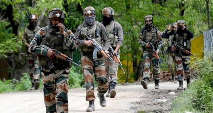 BSF ने  अटारी बॉर्डर पर 2 पाकिस्तानी घुसपैठियों को किया ढेर, भारी मात्रा में हथियार बरामद