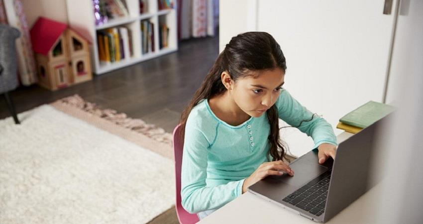 लॉकडाउन को चलते सरकार ने छात्रों को Online Classes देने का लिया फैसला