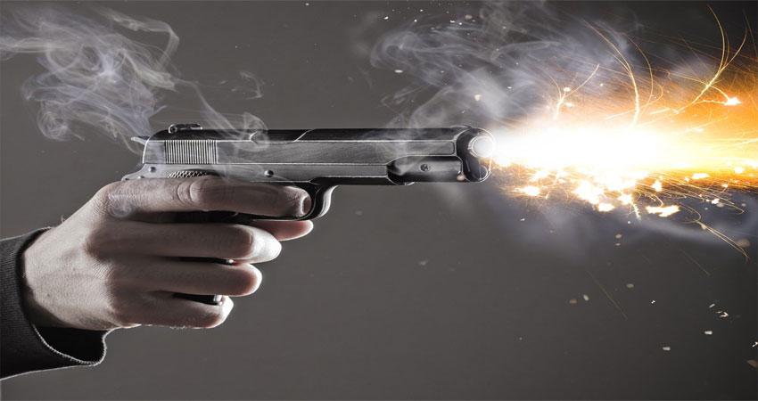 कम्पनी पार्टनर्स के बीच चली गोली, दो की मौत एक घायल