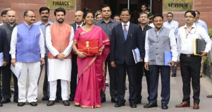इन 5 प्वाइंट से समझें मोदी 2.0 और मनमोहन सरकार के बजट का अंतर