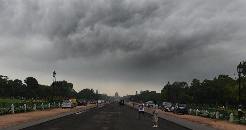 Delhi Weather Updates: इस हफ्ते तेज हवाओं के साथ बारिश की संभावना