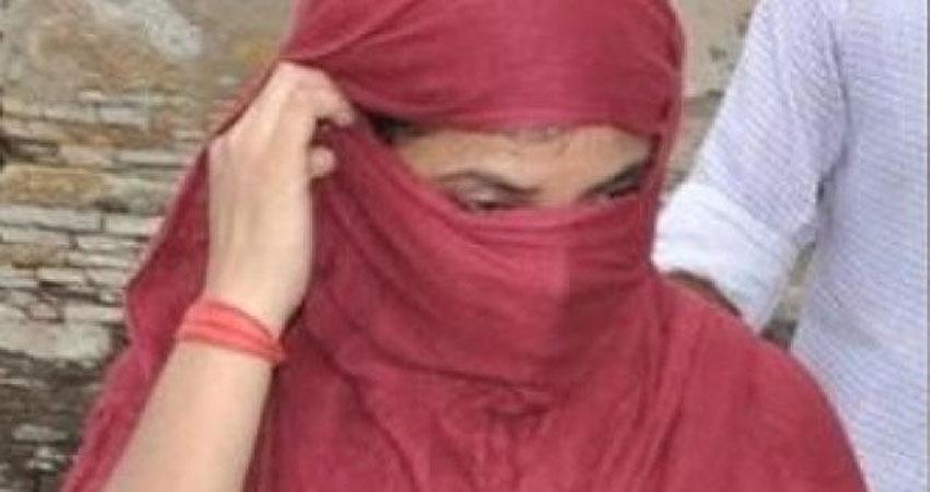 पुलिस की गिरफ्त में आई मशहूर हरियाणवी गायिका, 60 लाख रुपए की ठगी का है आरोप