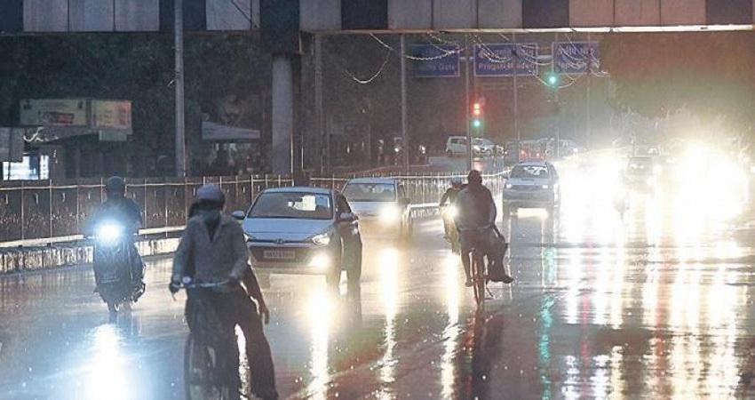 Delhi Weather Updates: आज शाम फिर हो सकती है बारिश, बदलेगा मौसम का मिजाज