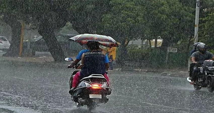 बारिश से बढ़ेंगे कोरोना संक्रमित मामले, नमी में तेजी से फैलता है संक्रमण- विशेषज्ञ