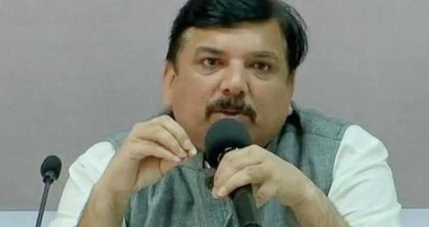 AAP ने पूछा- बीजेपी सरकार बेशर्मी से दंगा भड़काने वालों के साथ खड़ी है, कब होगी FIR?