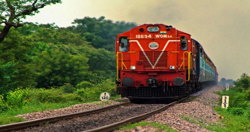 कोरोना काल में मसीहा बना Indian Railway, विभिन्न राज्यों में पहुंचाई 5,000 टन से अधिक ऑक्सीजन