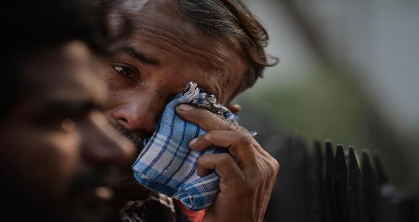 अनाज मंडी अग्निकांड: संवेदनहीन प्रशासन! बिना आधार के शव देने से दिल्ली पुलिस का इनकार