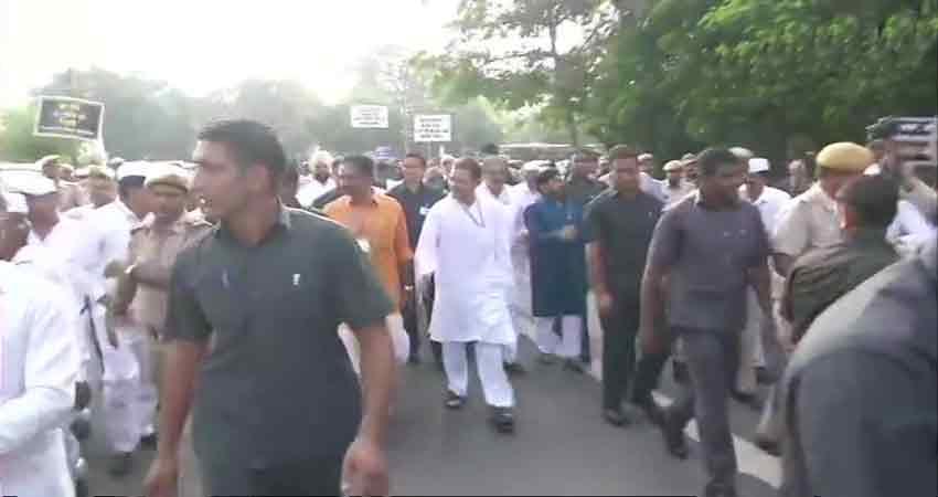 जानें, #BharatBandh में कांग्रेस को किन दलों का मिला साथ, किसने बनाई दूरी