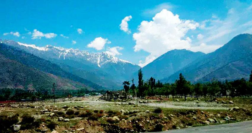 कश्मीर को एक 'राजनेता' की जरूरत है न कि 'नौकरशाह' की